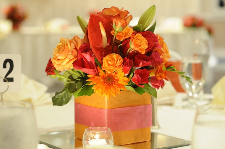 Prabha petals centerpieces and cakes for Floral arrangements for wedding reception centerpieces